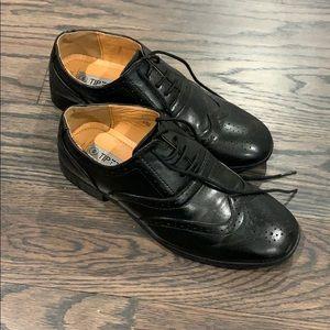 Boys dress shoes size 5